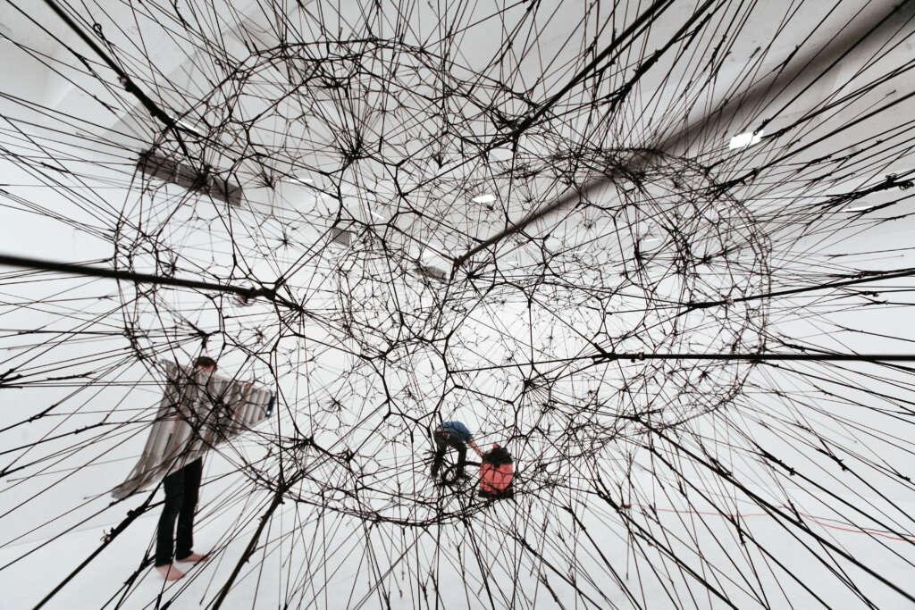 2015_globale_tomas-saraceno_spiderweb