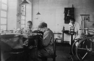 goldschmiedewerkstatt-von-elisabeth-treskow-1927-ruhr-museum